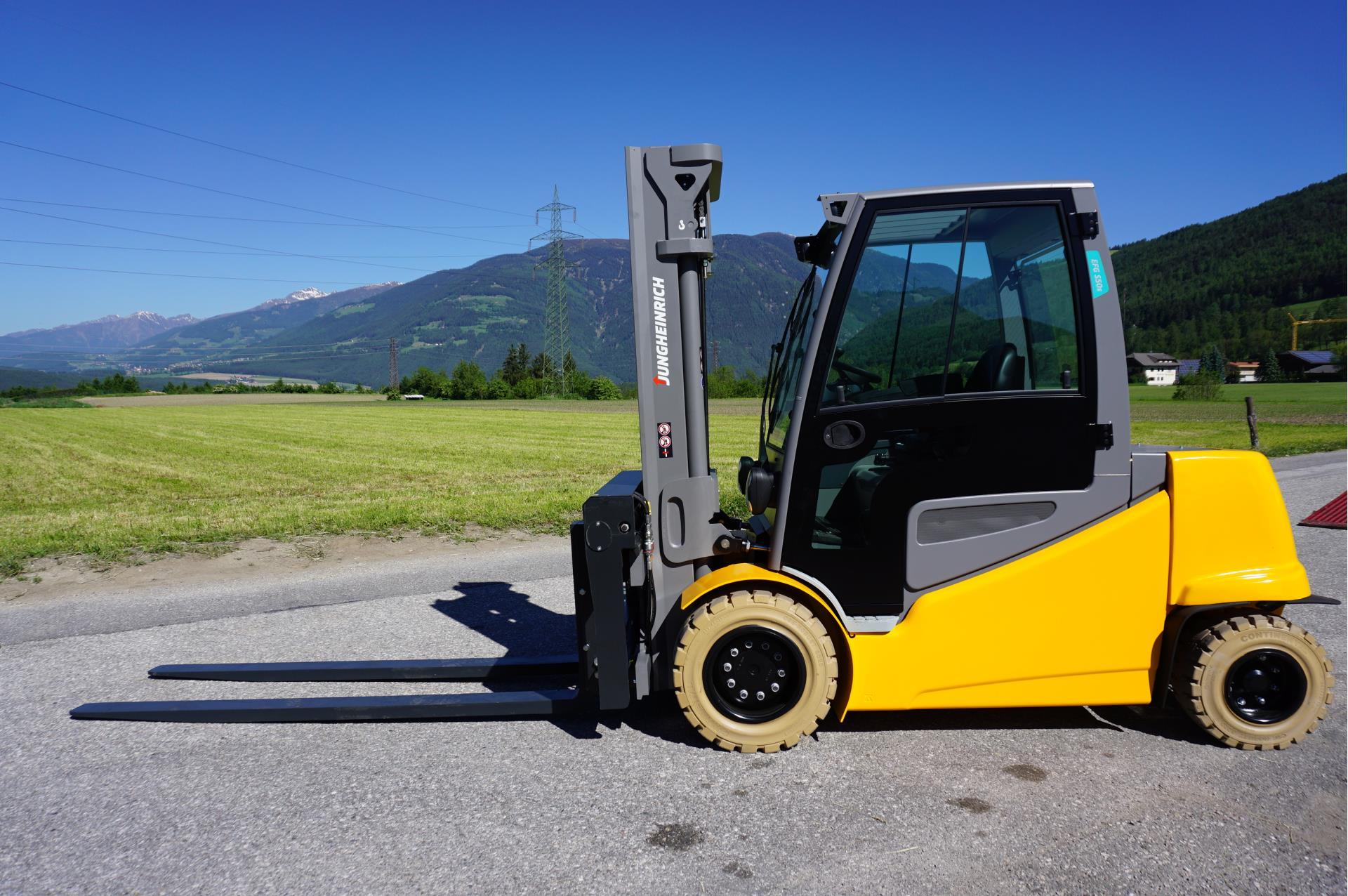 Forklift Rental - You will find a large selection of electric and diesel forklifts